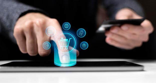 Homme, Utilisation, Carte De Débit, Et, Tablette, Technologie Photo Premium