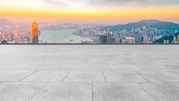 Horizon panoramique et bâtiment ouvert plaza brick Photo Premium