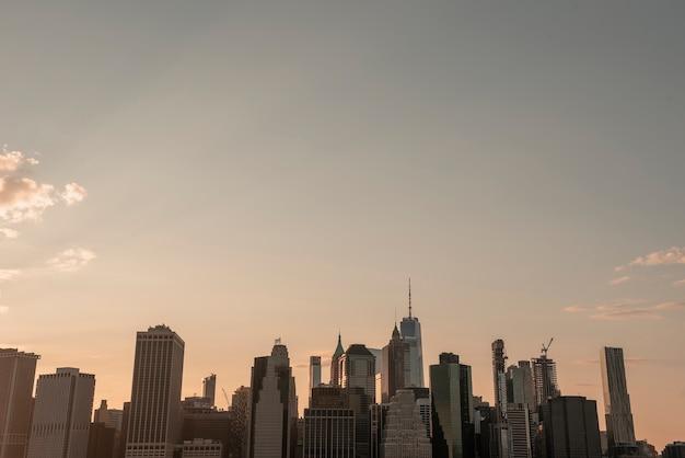 Horizon de la ville de new york avec un wtc Photo gratuit