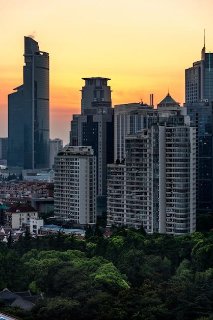 Horizon de la ville avec quartier résidentiel Photo gratuit