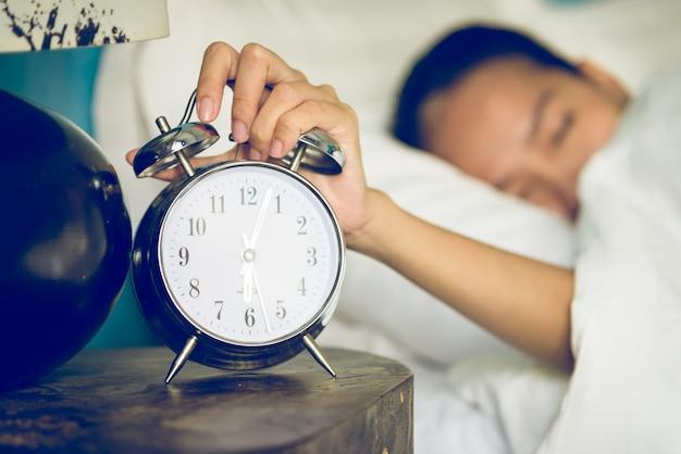 Horloge dans la chambre Photo gratuit
