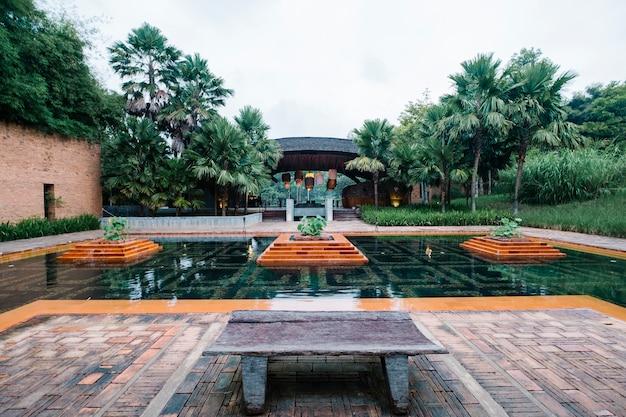 Hôtel de luxe en plein air Photo gratuit