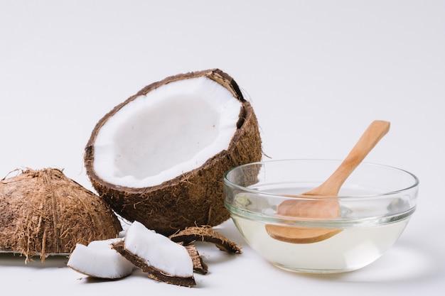 Huile de noix de coco transparente Photo gratuit