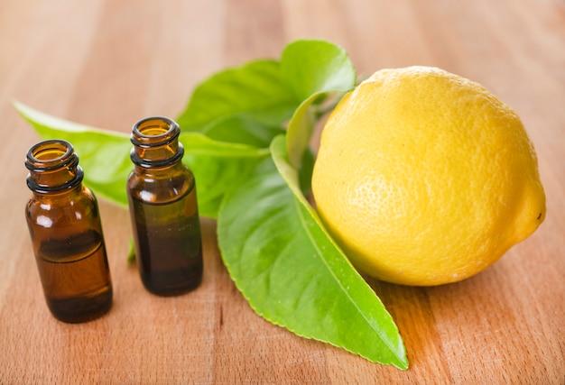 Huiles essentielles de citron Photo Premium