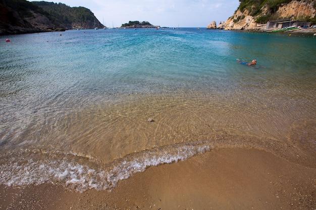 Ibiza port de sant miquel plage de san miguel aux baléares Photo Premium