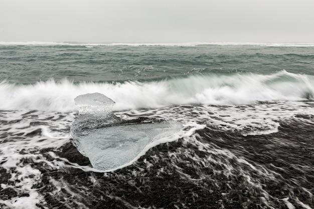Iceberg diamond beach islande Photo Premium
