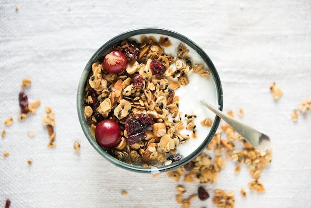 Idée de recette de photographie alimentaire granola saine Photo Premium