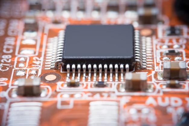 Image en gros plan: carte mère de circuit électrique de l'ordinateur Photo Premium