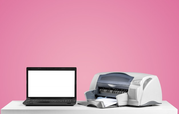 Imprimante et ordinateur, bureau Photo Premium