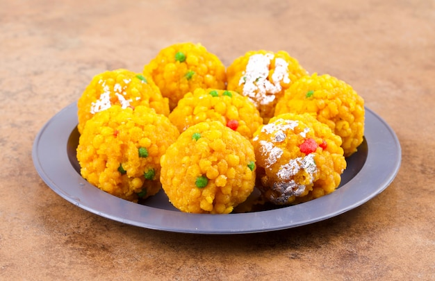 Indien sucré nourriture laddu Photo Premium