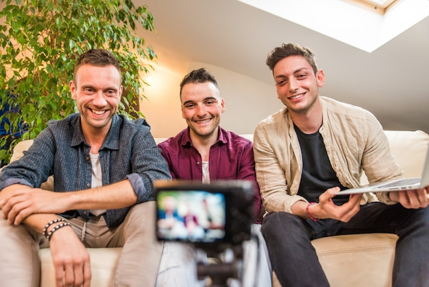 Influenceurs Vlogging à Domicile Photo Premium