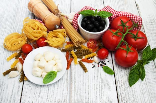 Ingrédients alimentaires italiens Photo Premium