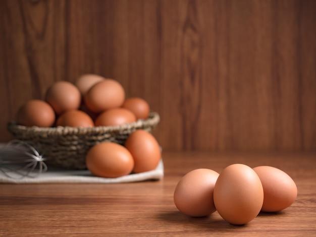 Ingrédients alimentaires d'œufs de poule biologiques Photo Premium