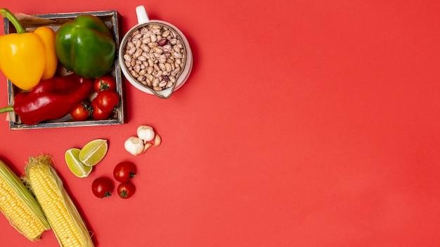 Des ingrédients biologiques colorés pour la cuisine mexicaine Photo gratuit