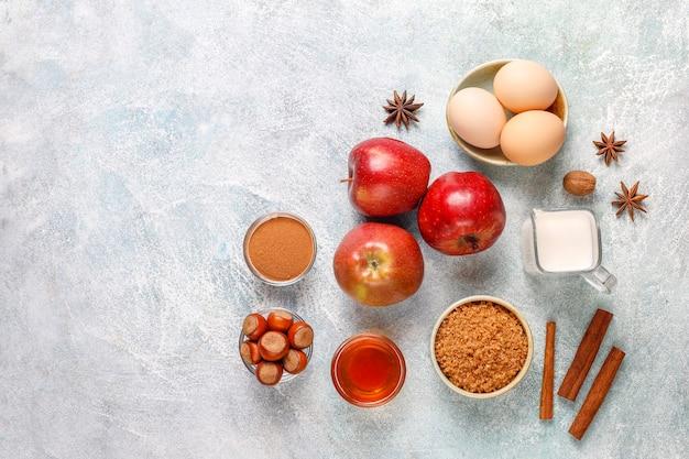 Ingrédients De Cuisson Traditionnels D'automne: Pommes, Cannelle, Noix. Photo gratuit
