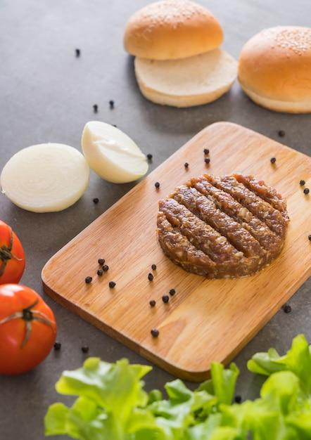 Ingrédients de hamburger Photo gratuit