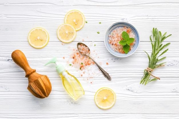 Ingrédients naturels du spa et gommage corporel. Photo Premium