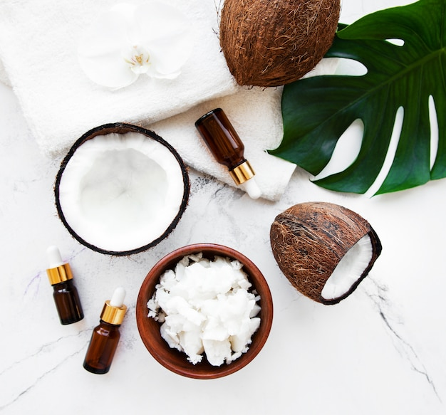 Ingrédients naturels du spa à la noix de coco Photo Premium