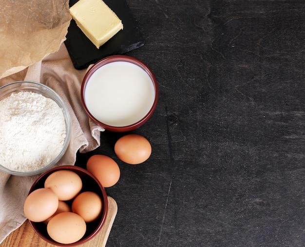 Ingrédients Pour La Cuisson Des Biscuits Photo gratuit