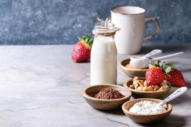 Ingrédients pour la cuisson du gâteau Photo Premium