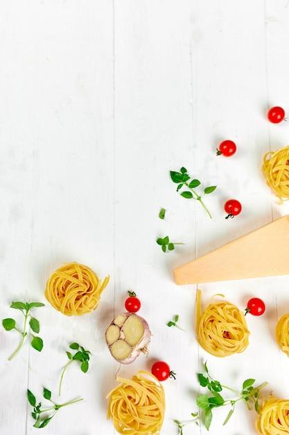Ingrédients Pour La Cuisson Des Pâtes Photo Premium