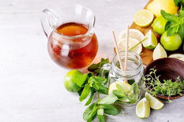 Ingrédients pour faire du thé glacé Photo Premium