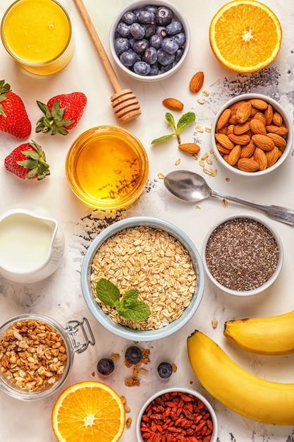 Ingrédients Pour Un Petit-déjeuner Sain Photo Premium