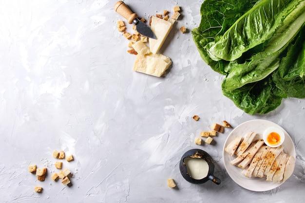Ingrédients pour la salade césar Photo Premium