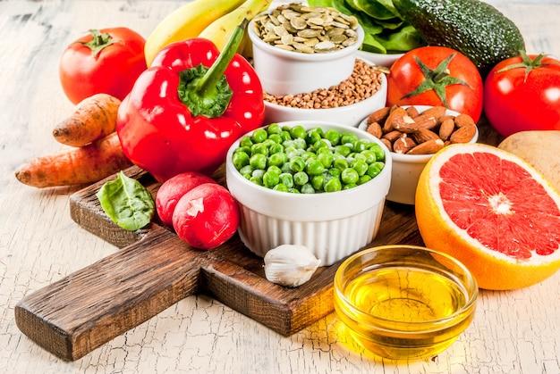 Ingrédients de régime alcalins, aliments sains Photo Premium