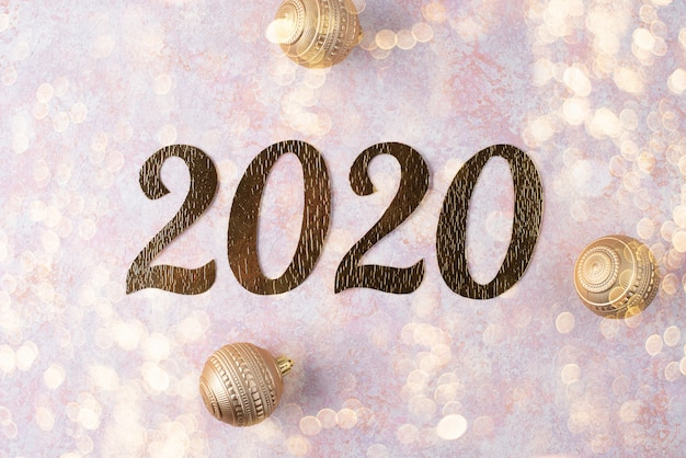 Inscription Du Nouvel An 2020 Avec Des Boules De Noël Photo Premium