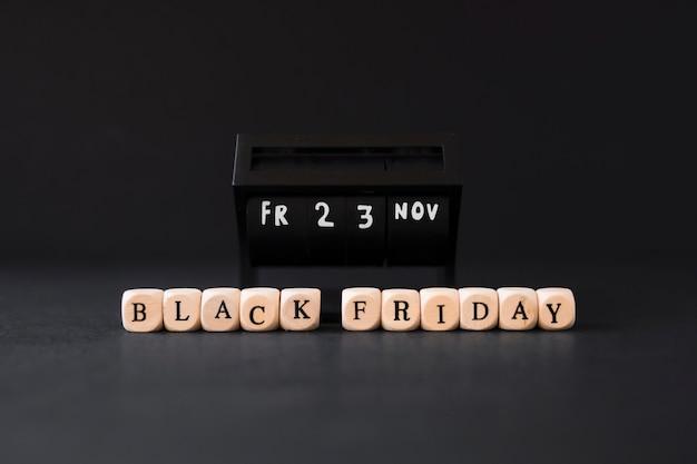 Inscription du vendredi noir sur des cubes blancs Photo gratuit