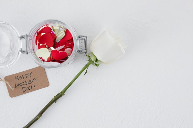 Inscription Heureuse Fête Des Mères Avec Fleur Rose Photo gratuit