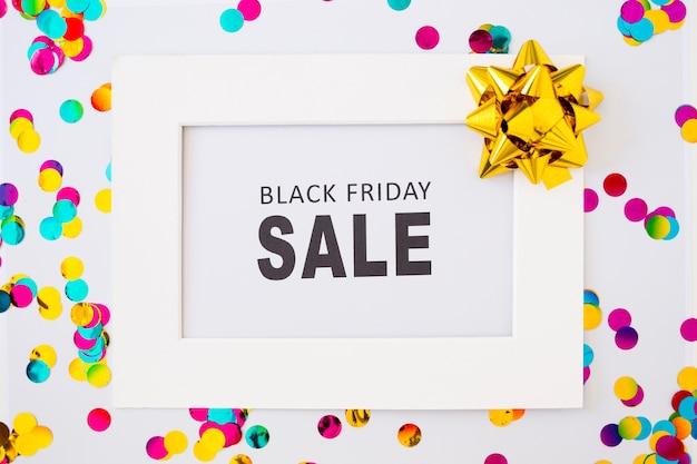 Inscription de vente vendredi noir dans le cadre Photo gratuit
