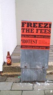 Inscrivez-vous protester contre Photo gratuit