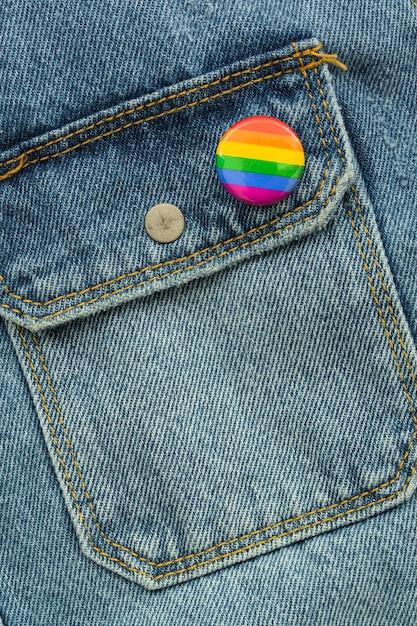 Insigne De La Pride Lgbt Society Day Sur Un Jean Photo gratuit