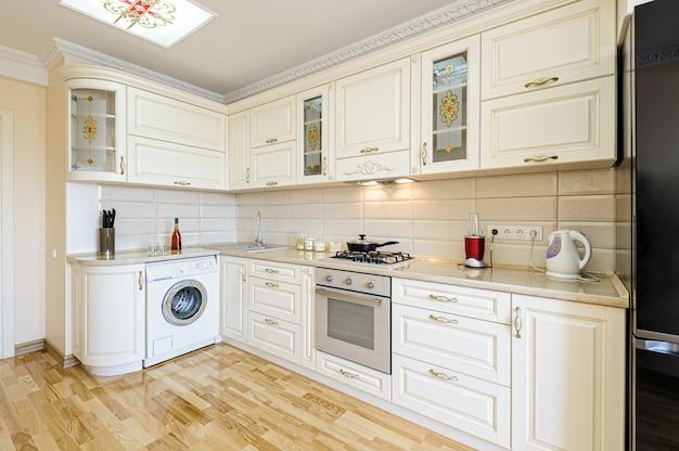 Interieur De Cuisine Moderne De Luxe Beige Et Blanc Photo Premium