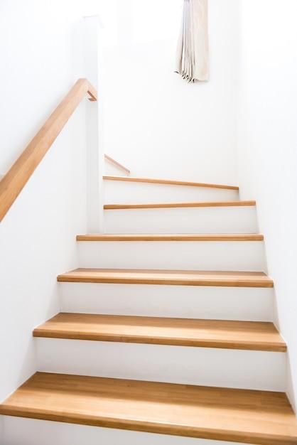 Intérieur - escaliers en bois Photo Premium