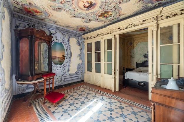 Intérieur d'un manoir luxueux et ancien Photo Premium