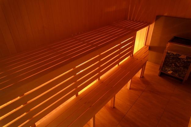 Intérieur De Petite Maison Sauna En Bois Photo Premium