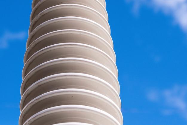Isolant en céramique polymère à haute tension. Photo Premium
