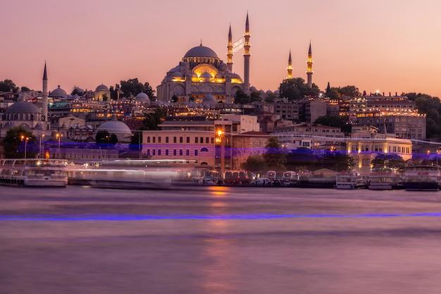 Istanbul Au Coucher Du Soleil Photo Premium