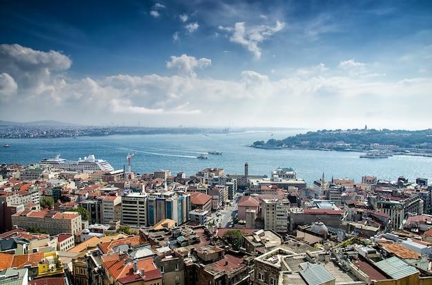 Istanbul Et Le Bosphore à Vol D'oiseau Photo Premium