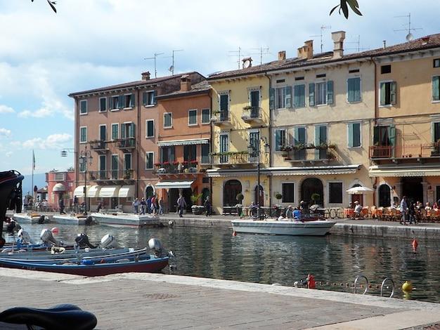 Italie maisons en rangée garda portuaires lazise voir lago Photo gratuit
