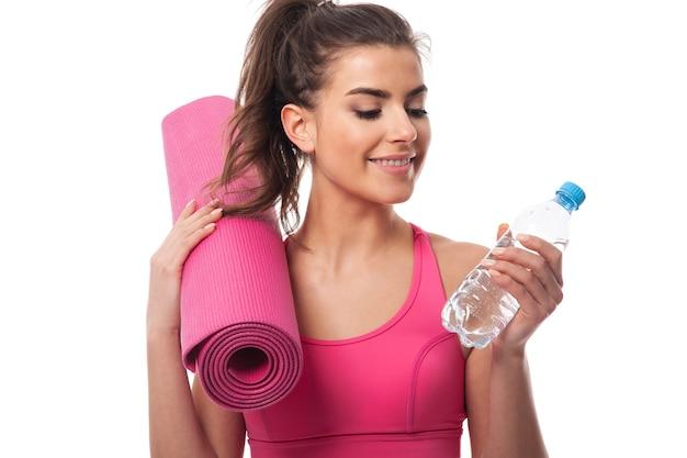 J'ai Toujours Une Bouteille D'eau Après L'entraînement Photo gratuit