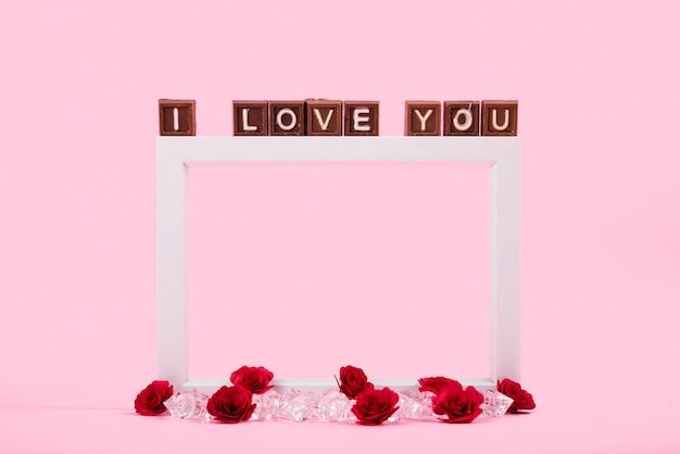 Je t'aime inscription sur des blocs marron Photo gratuit