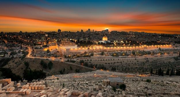 Jérusalem ville au coucher du soleil Photo Premium
