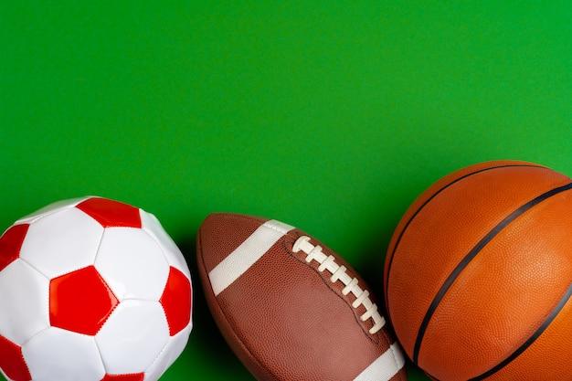 Jeu De Balles Pour Football, Basket-ball Et Rugby Photo Premium