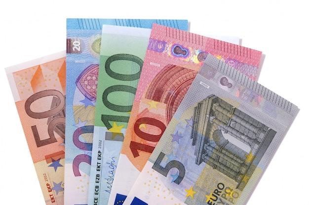 Jeu De Billets De Banque En Euro Isolé Photo gratuit