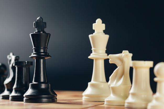Jeu d'échecs à bord Photo Premium
