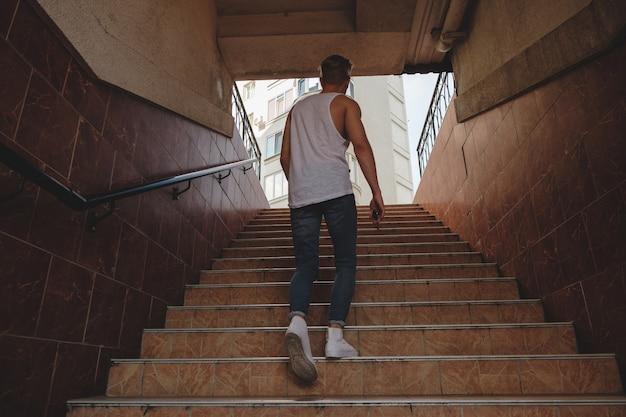 Jeune, Escalade, Escalier, Piéton, Métro Photo gratuit